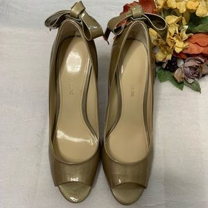 Enzo Angiolini Bow Peep Toe Pumps 7 1/2 M Leather